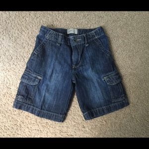 Pre-Owned Gap Denim shorts for boys size 3T.